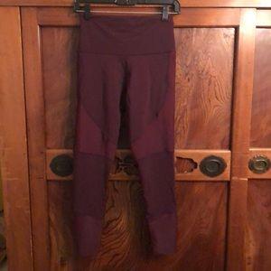 Onzie burgundy legging w/ ribbing sz S/m